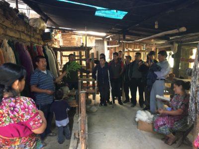 グアテマラで出会った家族経営の羊毛工房