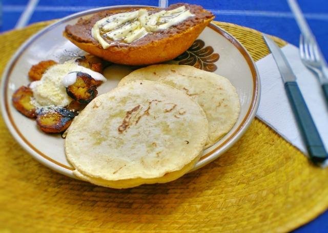 グアテマラの家庭料理イメージ