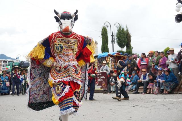 グアテマラの民族衣装にはマヤ文明の物語が詰まっていた