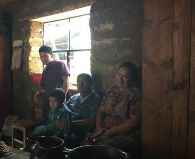 本書はタイトル「グアテマラの弟」の通り家族のお話です
