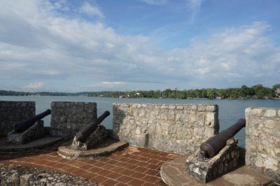 リオドゥルセ観光① 湖畔の古城 サンフェリペ城