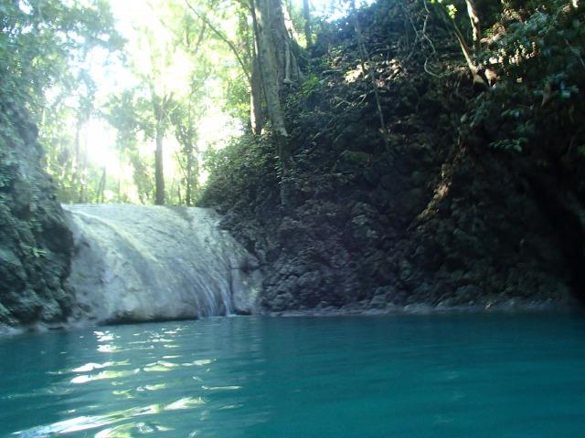リビングストン観光① コバルトブルーの川 シエテアルタレス