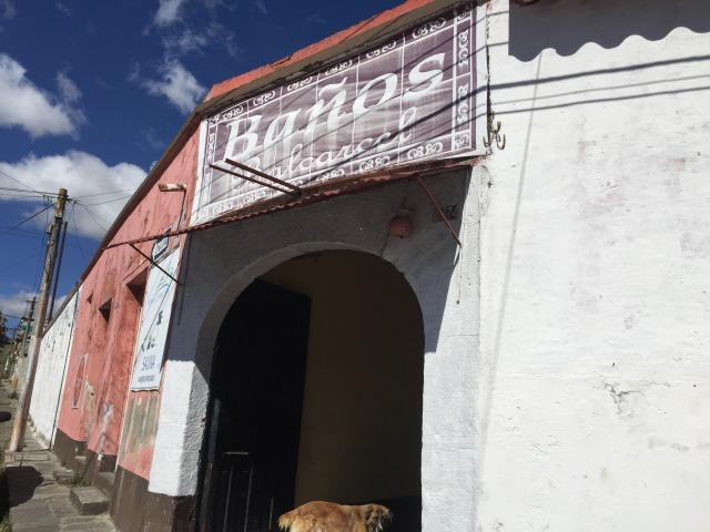 ケツァルテナンゴ県の中心地 シェラの温泉