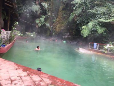 ケツァルテナンゴ県山奥の露天風呂 スニルの温泉はグアテマラ最高峰