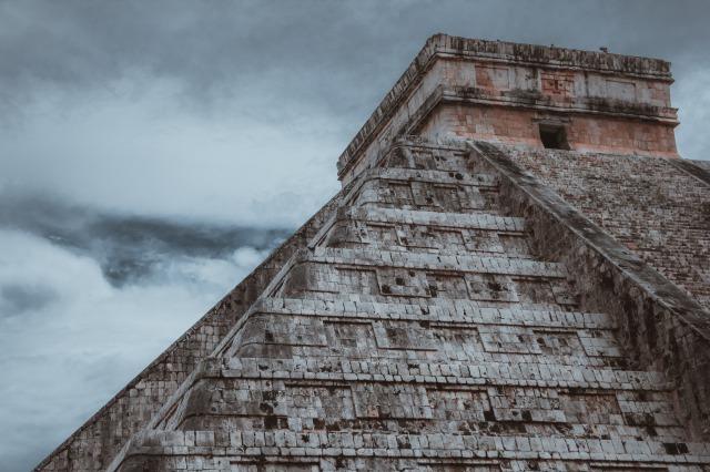 グアテマラで孤立し、マヤ系先住民の伝統の中で生きる映画の主人公たち
