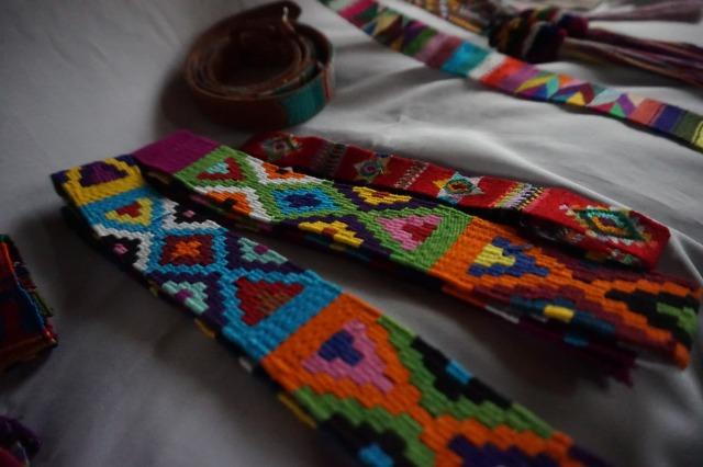 グアテマラのアクセサリー職人パブロさんの作品