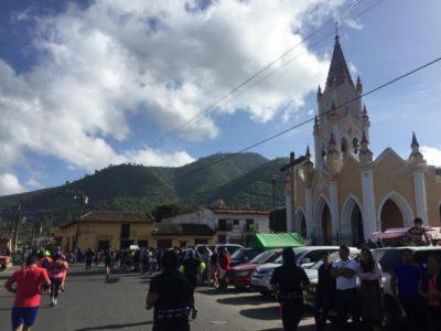 世界遺産の教会を走るハーフマラソン