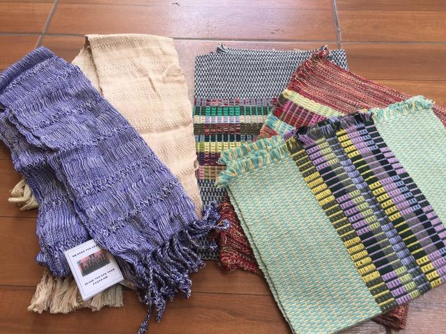 グアテマラおすすめお土産のサンフアンララグナのスカーフ1