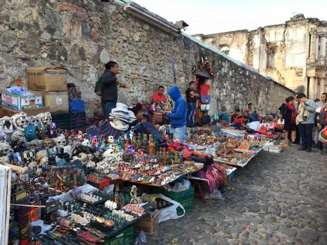 アンティグア観光の見所3 メルカド(市場)