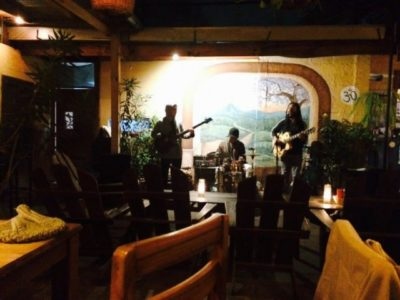 夜のアンティグア散策 お酒と音楽とシーシャと美味しいごはん(Rainbow Cafe)