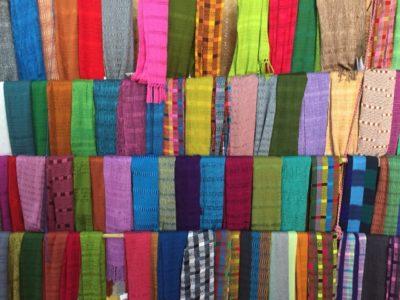 グアテマラおすすめお土産のサンフアンララグナのスカーフ2