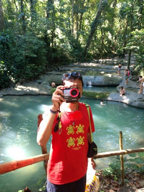 オリンパスの水中カメラはコンパクト
