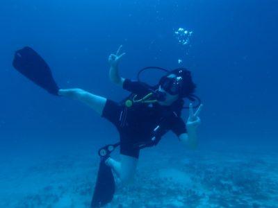 ウティラ島でのダイビング料金、ホテル代、美味しいごはん